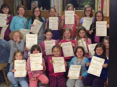Erfolgreiche Kinder vom Rope-Skiping