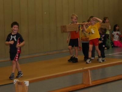 TSG Irlich - Kinderturngruppe bei einem Zirkusprojekt 2012