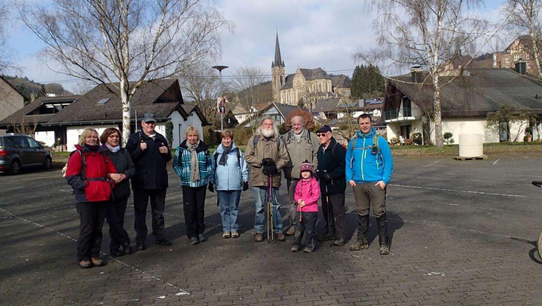 """Die Wandergruppe der TSG Irlich war auf der Wällertour dem """"Bärenkopp"""" unterwegs."""