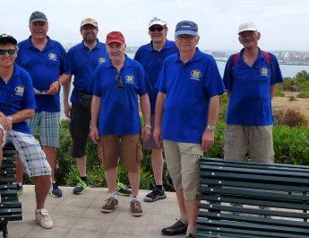 Die TSG Jedermänner auf einer Radtour vor der Bucht von Palma.