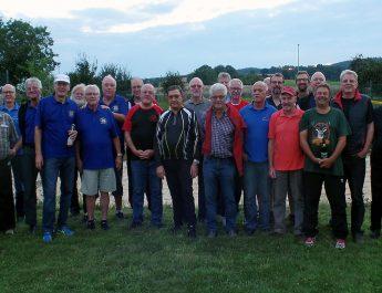 Jedermänner der TSG Irlich pflegen die Freundschaft mit den JM Feldkirchen.