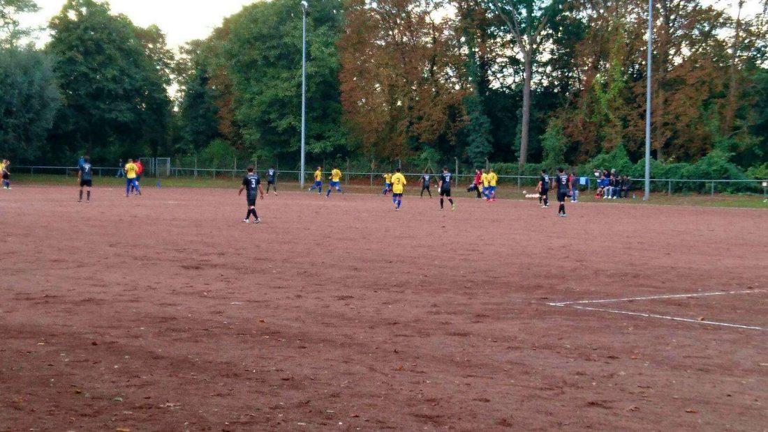Ein Spiel dauert manchamal mehr als 90 Minuten. Der F.C. Ottoman Neuwied erzielte in der 92. Minute den Ausgleich gegen die TSG Irlich.