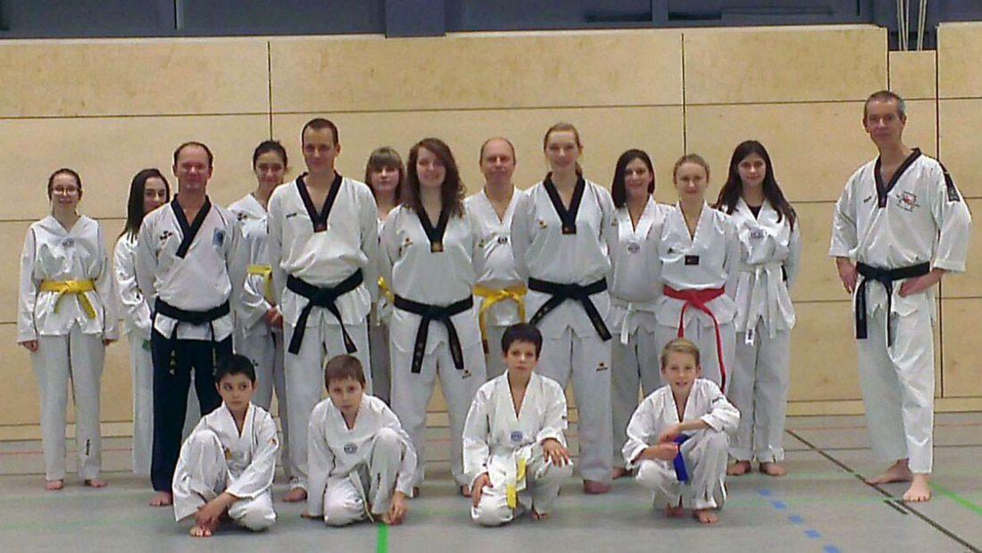 Die Taekwondo Scorpions freuen sich auf die renovierte Halle der Robert-Krups-Schule.