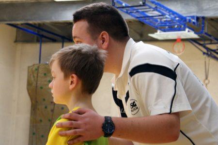 Das Coaching, auch in Einzelgesprächen, ist ein wesentlicher Bestandteil der Ausbildung von den jungen Menschen.