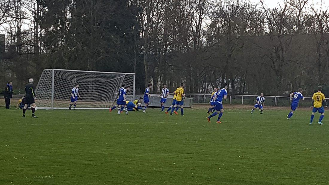 Mit einem 2:2-Unentschieden trennten sich der VfL Niederbieber und die TSG Irlich.
