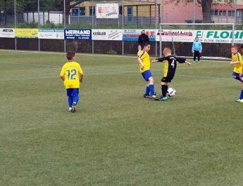 Trotz harter Gegenwehr musste sich die F-Jugend dem Favoriten VfL Oberbieber mit 1:5 geschlagen geben.