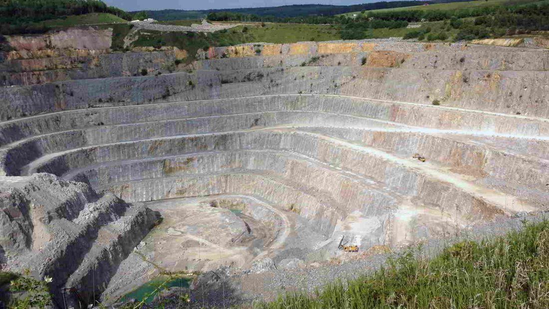 Der Kalkstenibruch in Hahnstätten ist der tiefste Punkt in Rheinland-Pfalz.