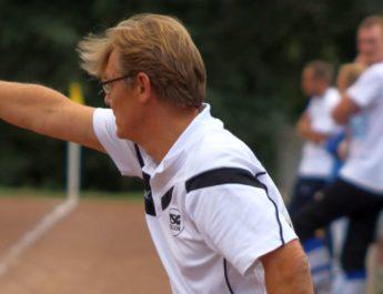 TSG-Trainer Michael Schneider voll in seinem Element. Die Niederlage gegen die SG St. Katharinen II konnte auch er nicht verhindern.