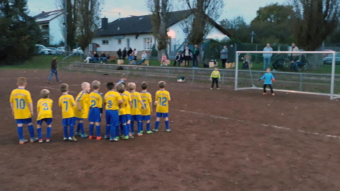 Die F-Jugend der TSG Irlich verabschiedete sich mit einem 3:1-Erfolg bei der JSG Waldbreitbach II aus dem Freiluftjahr 2017.