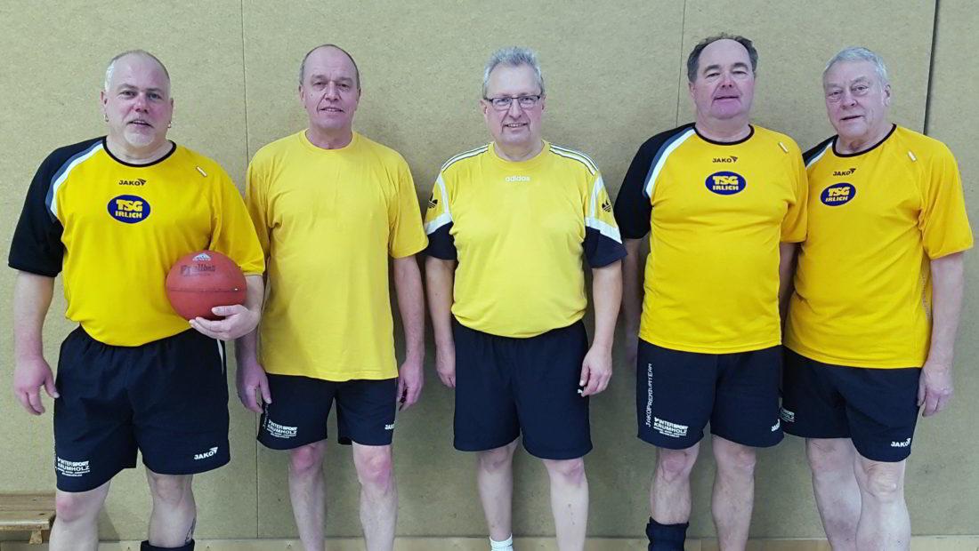 Die Prellballer der TSG Irlich. V.l.n.r. Patrick Hoffmann, Michael Mülhöfer, Reiner Wolf, Dietmar Weber und Klaus Pinhammer