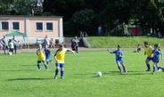 F-Junioren genießen Spiel auf Naturrasen