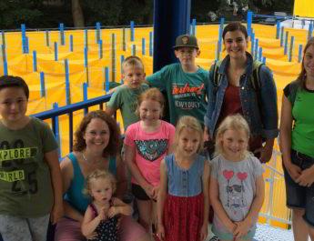 Die Gruppe um die Kinderturner/innen feierte seinen Abschluss in den Bonner Rheinauen.