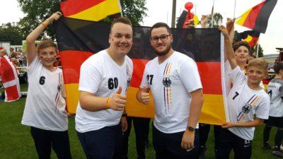 Die beiden Coaches der D-Jugend - Philipp Pfeiffer(li)  und Marcos Becker.