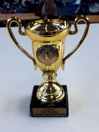 Der Pokal zur ersten Position wird bei der TSG Irlich einen schönen Platz bekommen.
