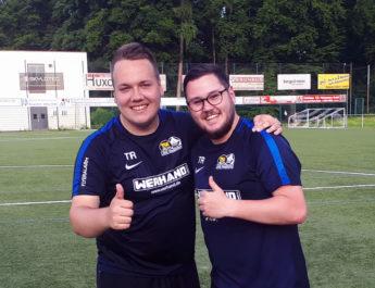 Das erfolgreiche Trainer-Duo der JSG aus Niederbieber und Irlich: Philipp Pfeiffer (li) und Marcos Becker.
