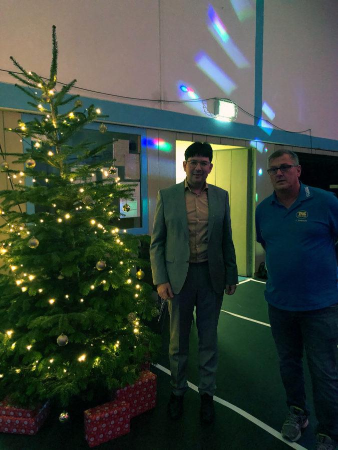 Auch Bürgermeister Michael Mang folgte der Einladung und ließ sich auf der Weihnachtsfeier blicken.